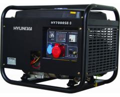 Бензиновый генератор Hyundai HY 7000 SE-3
